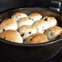 ねじりさくら餡パン、全粒粉くるみチーズパン、角食などの記事に添付されている画像