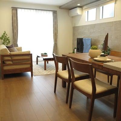 飽きが来ない!シンプルなデザインの家具でLD空間をコーディネート!ウォールナットの記事に添付されている画像