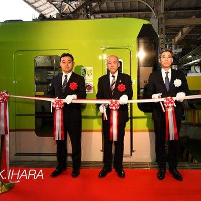叡山電車「青もみじきらら」発車!の記事に添付されている画像