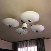 住宅の天井照明の交換…