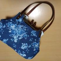 バラのコットンリネンプリントで2つのバッグの記事に添付されている画像