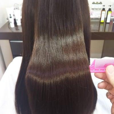 エイジング世代の髪には髪質改善エステでツヤのある髪への記事に添付されている画像