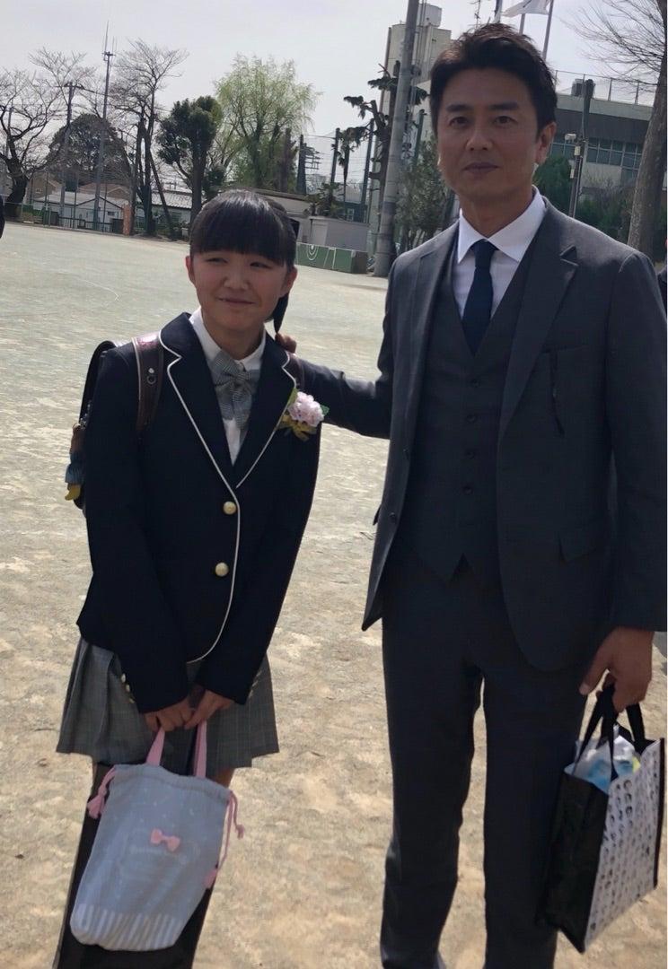 原田龍二、小学校卒業の娘と2ショットを公開「美人さん」「可愛い」の ...
