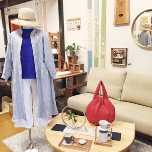 家具と春の洋服展の画像