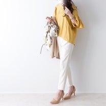 可愛らしいフレア袖トップスを大人っぽくの記事に添付されている画像