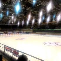 世界ジュニアシンクロナイズドスケーティング選手権の記事に添付されている画像