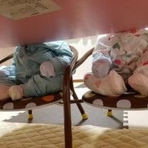 睡魔に襲われる赤ちゃんズ。の記事に添付されている画像