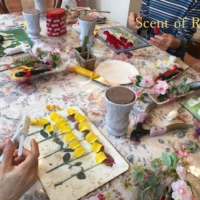 プリザーブドフラワーのレッスンからアーティフィシャルフラワーのレッスンへの記事に添付されている画像