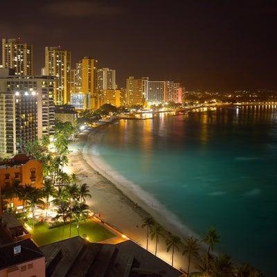 【写真】ハワイの夜の記事に添付されている画像