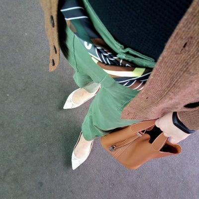 スカーフをベルト代わりにしたコーデ&生しらすを食べる♪の記事に添付されている画像