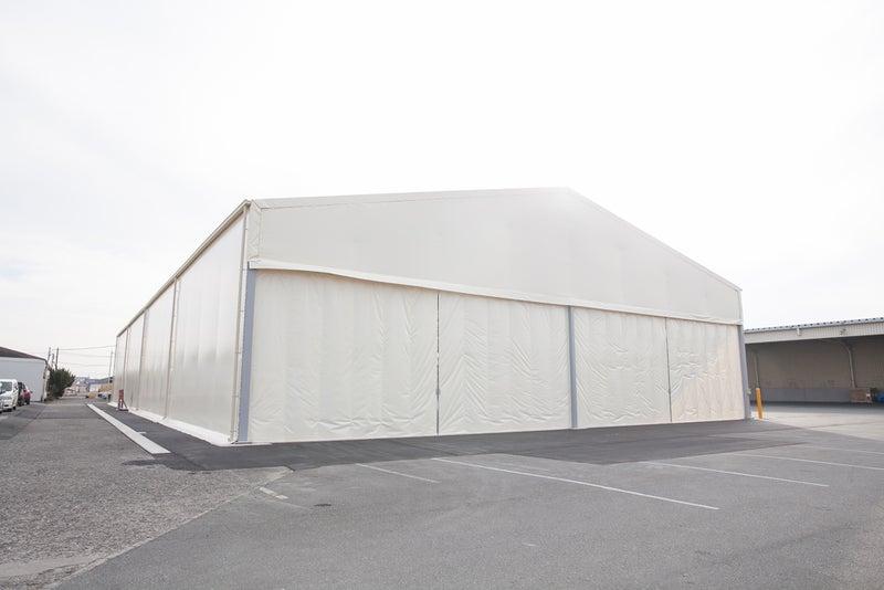 大型テント倉庫(片側面開放・片妻面ジャバラシートカーテン仕様)施工写真