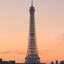 Numéro 136「La tour Eiffel ce matin」25/3/の記事に添付されている画像