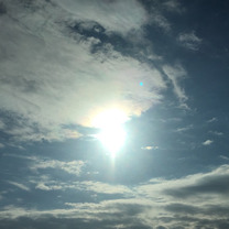 水色の太陽の記事に添付されている画像