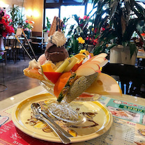 【デカ盛りパフェとの決戦が始まった】喫茶ツヅキ@名古屋の記事に添付されている画像