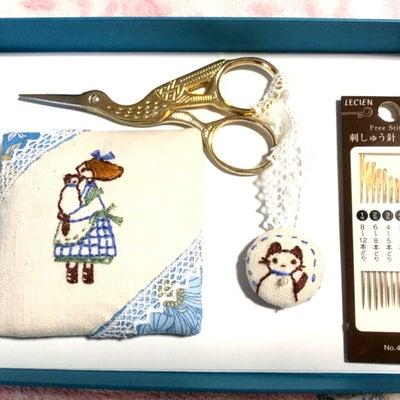 乙女な世界の刺繍 お裁縫道具セットの会(シーザーキーパー&ピンクッション完成)の記事に添付されている画像