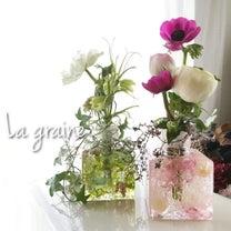 ハーバリウムフラワーベースに水を入れ、生花を活けてみました♡の記事に添付されている画像