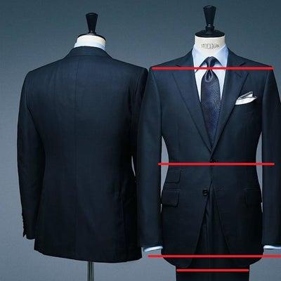 「トム フォード」のスーツが、男性の身体を官能的に美しく見せるスーツスタイリストの記事に添付されている画像