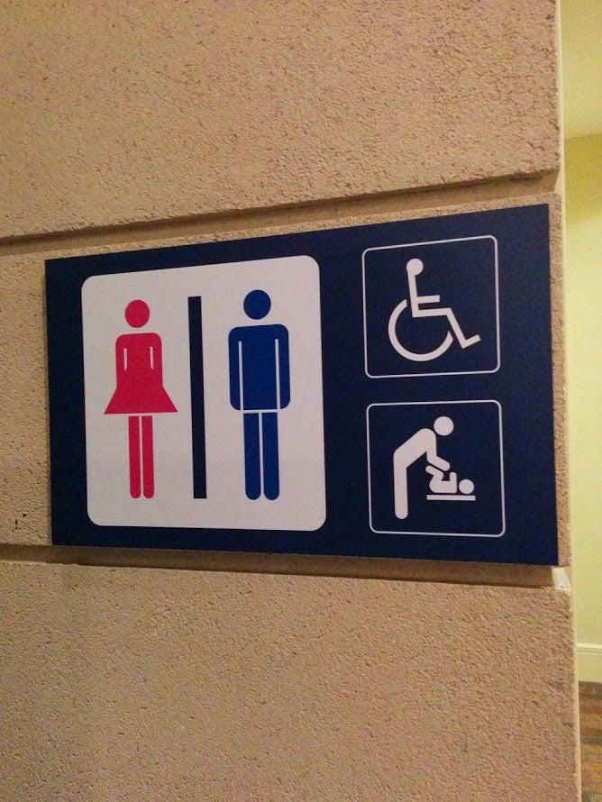 トイレ表示を見つけたよ♪【トイレ320】ぴしっな表示【トイレ319】女子だけ工夫な表示【トイレ318】首が繋がってる表示【トイレ317】ボールつながりな表示【トイレ316】ワイングラスとスイカバーな表示