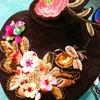 春コーデの仕上げは、鮮やかな刺繍のネックレス!の画像