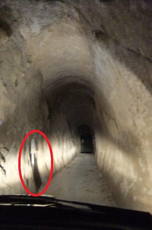 生還 可能 な 廃 トンネル