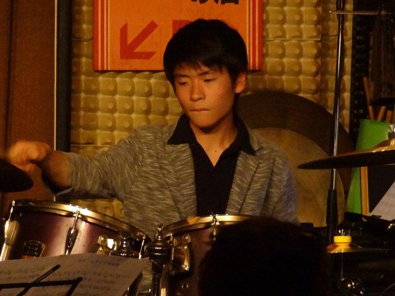 ドラム片山晴翔