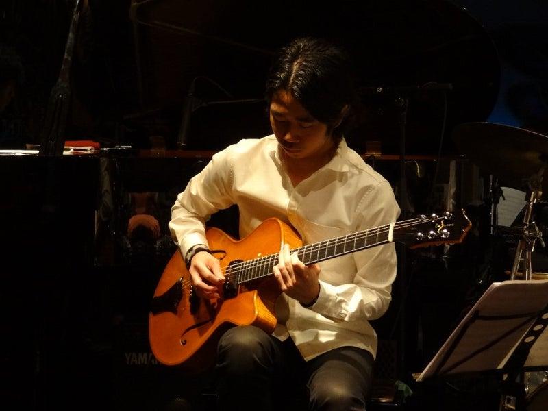 ギター磯部寛樹
