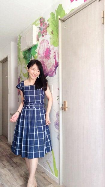 92d7d2de83851 ギャルミーツグラムGal Meets GlamスクエアネックキャップスリーブAラインプリントワンピース(ドレス) ネイビー(紺) オフホワイト