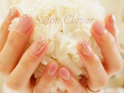 お爪が伸びてきても気にならず、おすすめ♪ふんわり上品な春のお花、お仕事ネイル