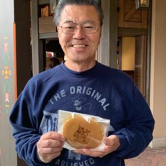 小腹が空いたときに、ぱくっと食べられる新メニューのパンケーキサンド(^へ^)