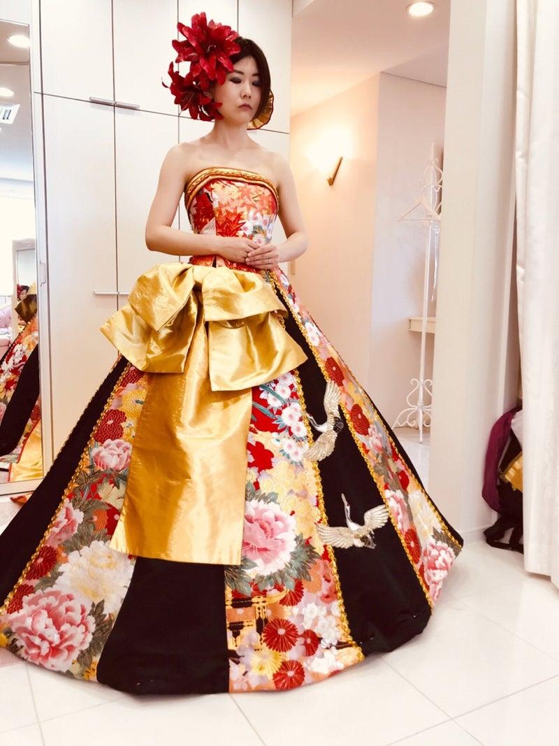 華やかな飾りのついたドレス カスタマイズできるレンタルドレス アリアンサ