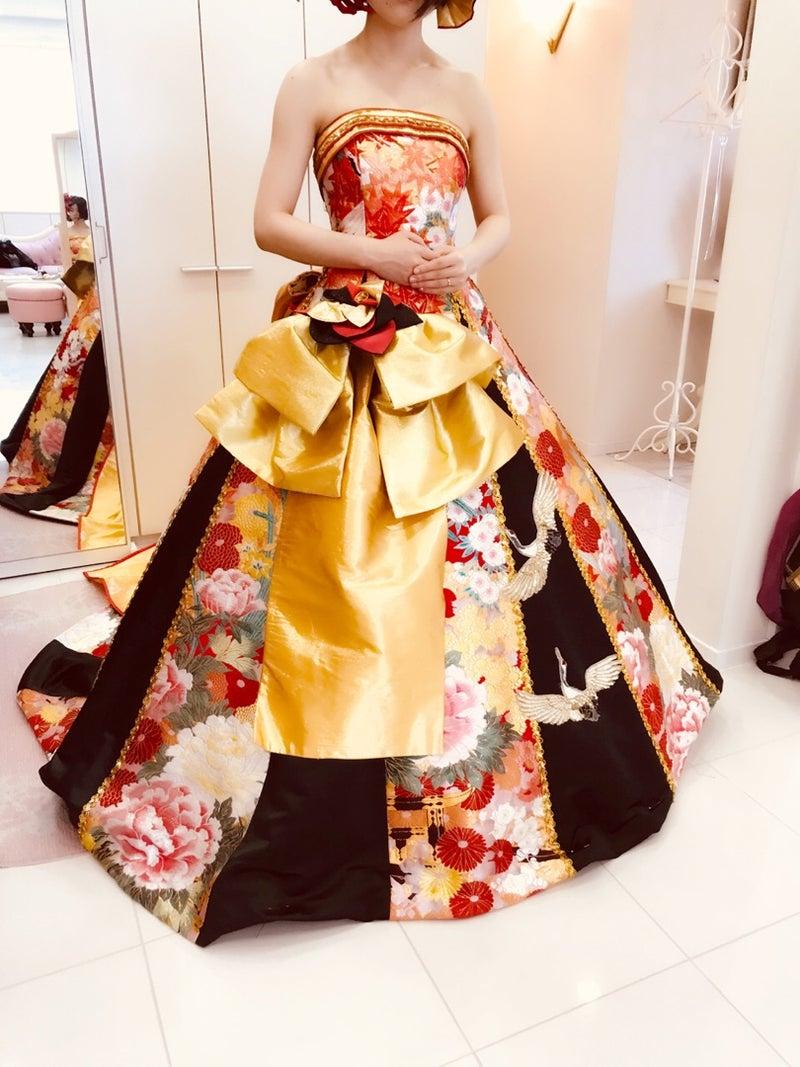 ゴールドの帯が華やかなドレス アレンジ自由 カスタマイズドレス アリアンサ