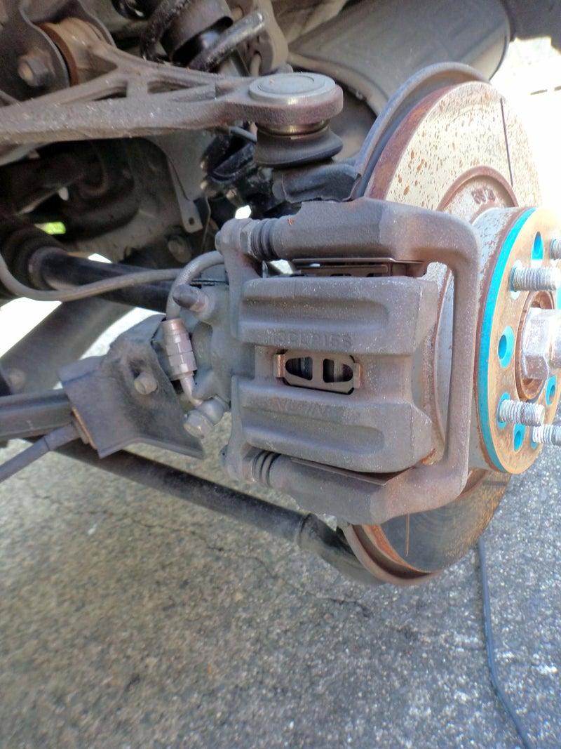 仕組み サイド ブレーキ