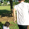 家族で公園の画像