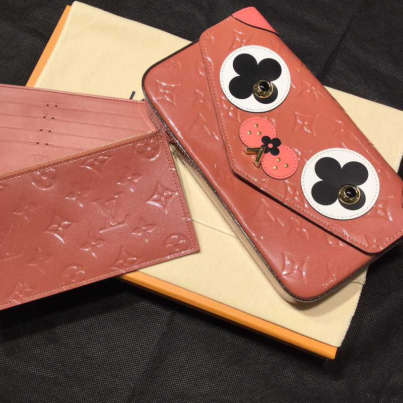 the latest a0a0f 046c0 Louis Vuitton --犬のデザイン財布-- | KAIULのブログ