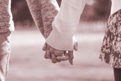 恋人 と 会う 頻度