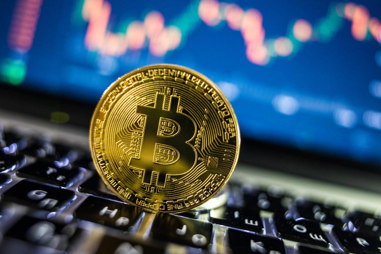 【ビットコイン&リップル&イーサリアム&ネム】仮想通貨 三角持ち合いは短期トレードで稼ごう!〈今後の値動きを初心者にもわかりやすくチャート分析〉2021.1.18 | 投資アンテナ