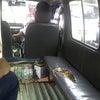 インドネシアの公衆車アンコットに乗る。の画像