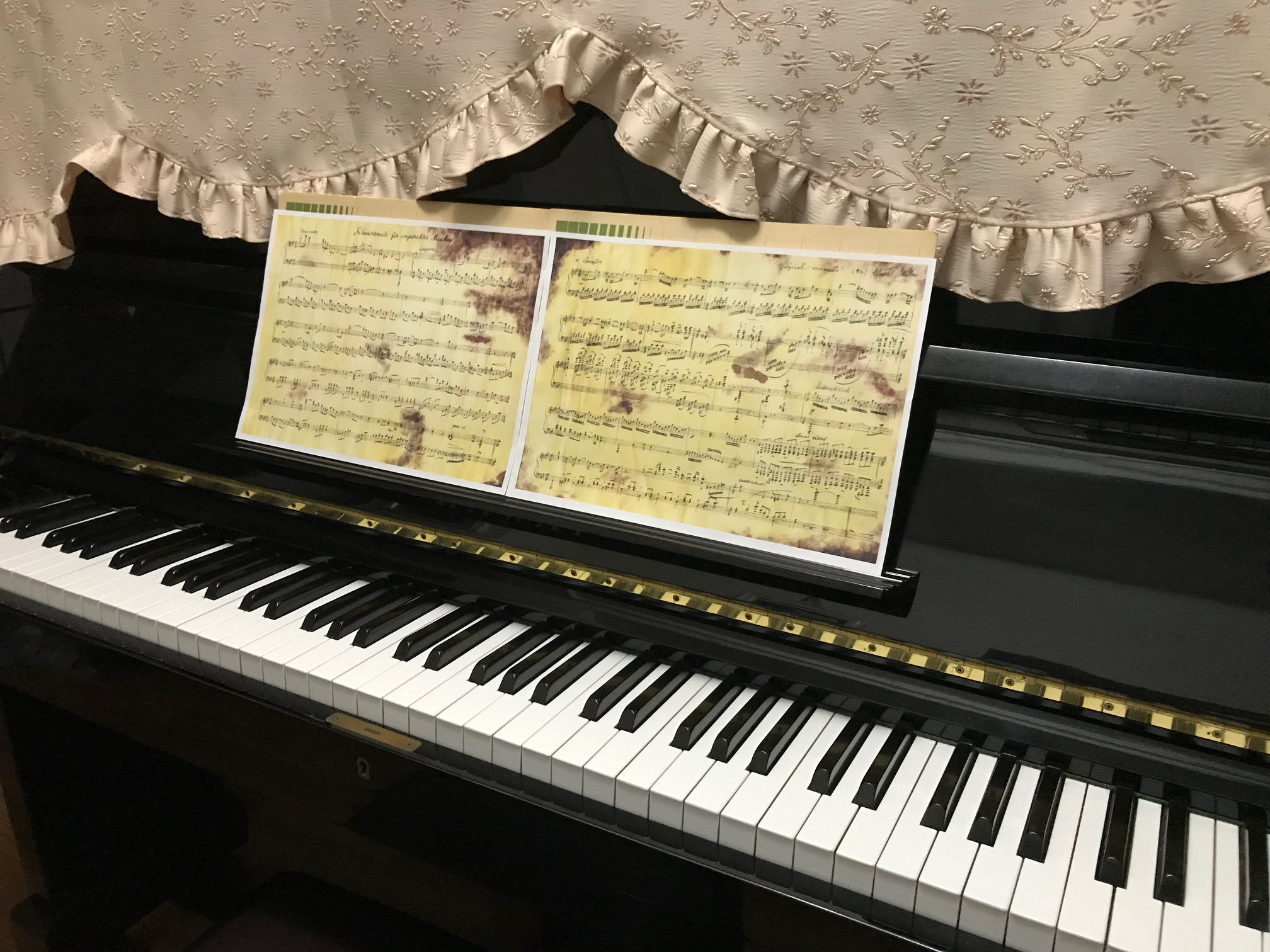 さか さま 少女 の ため の ピアノ ソナタ
