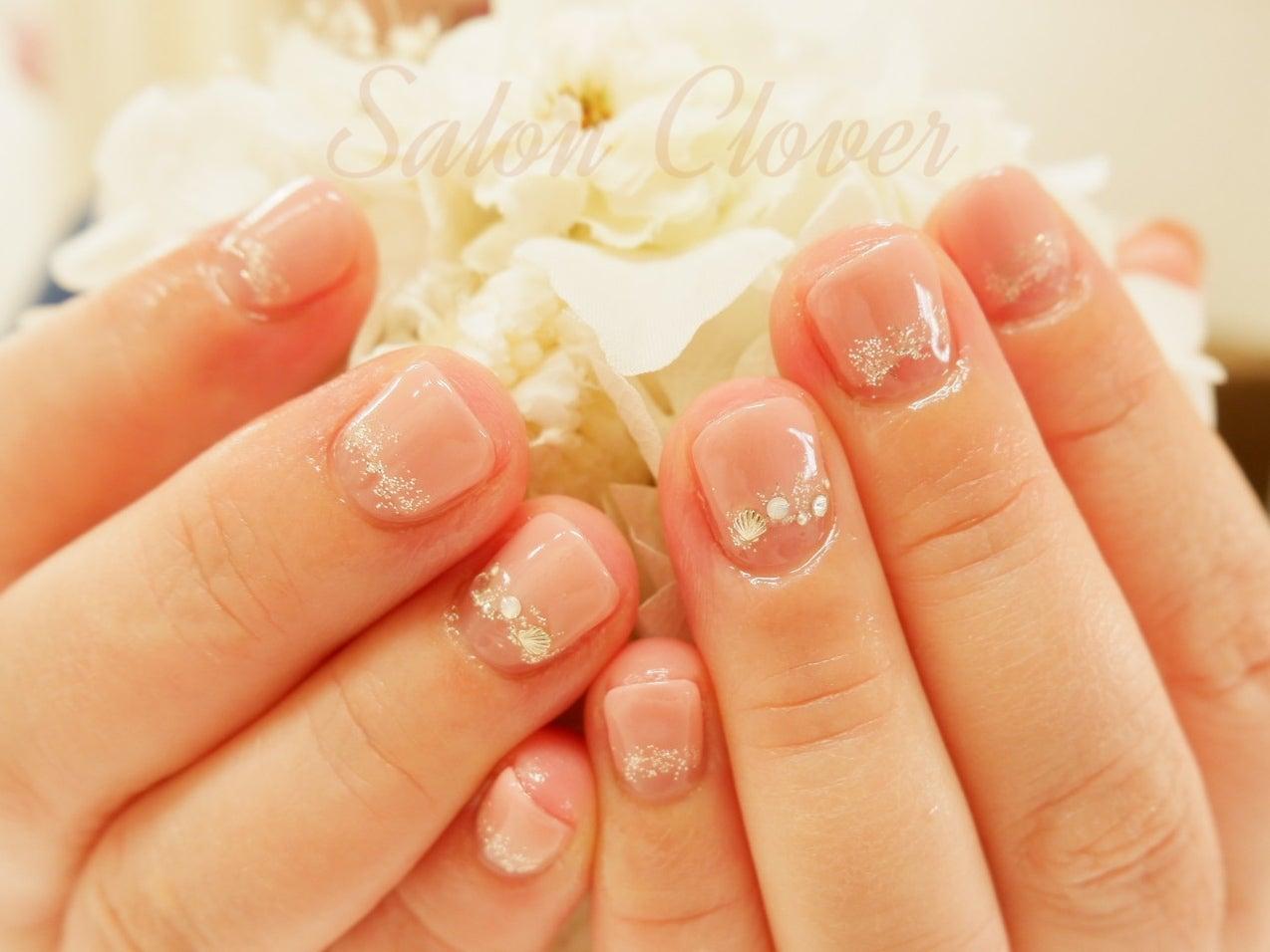 短いお爪のショートネイルさんにもかわいい、逆フレンチのオフィスネイル☆自爪に優しいカルジェル