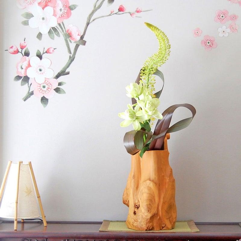 ノーブルリリー八重、エレムルス、ニューサイランの生け花
