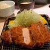 【ポンチ軒】《小川町/昼》とんかつ・特ロースかつ定食の画像