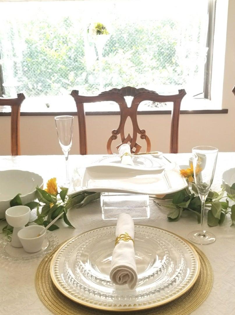 エミココテーブルコーディネート☆明るい日差しに誘われて☆華やかなテーブルでおもてなしね