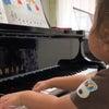 (動画あり)ピアノdeクボタメソッド 3歳さん弾く前の形はピアニスト(笑)の画像