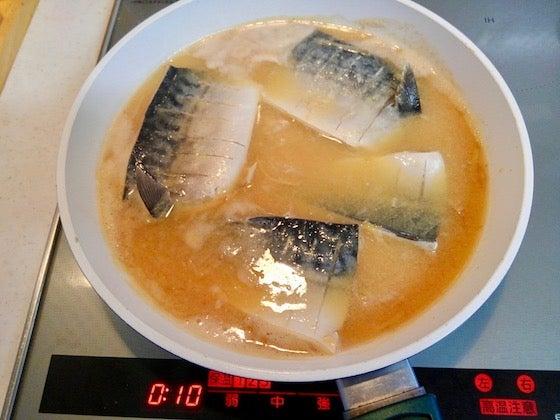 味噌 煮 サバ 塩
