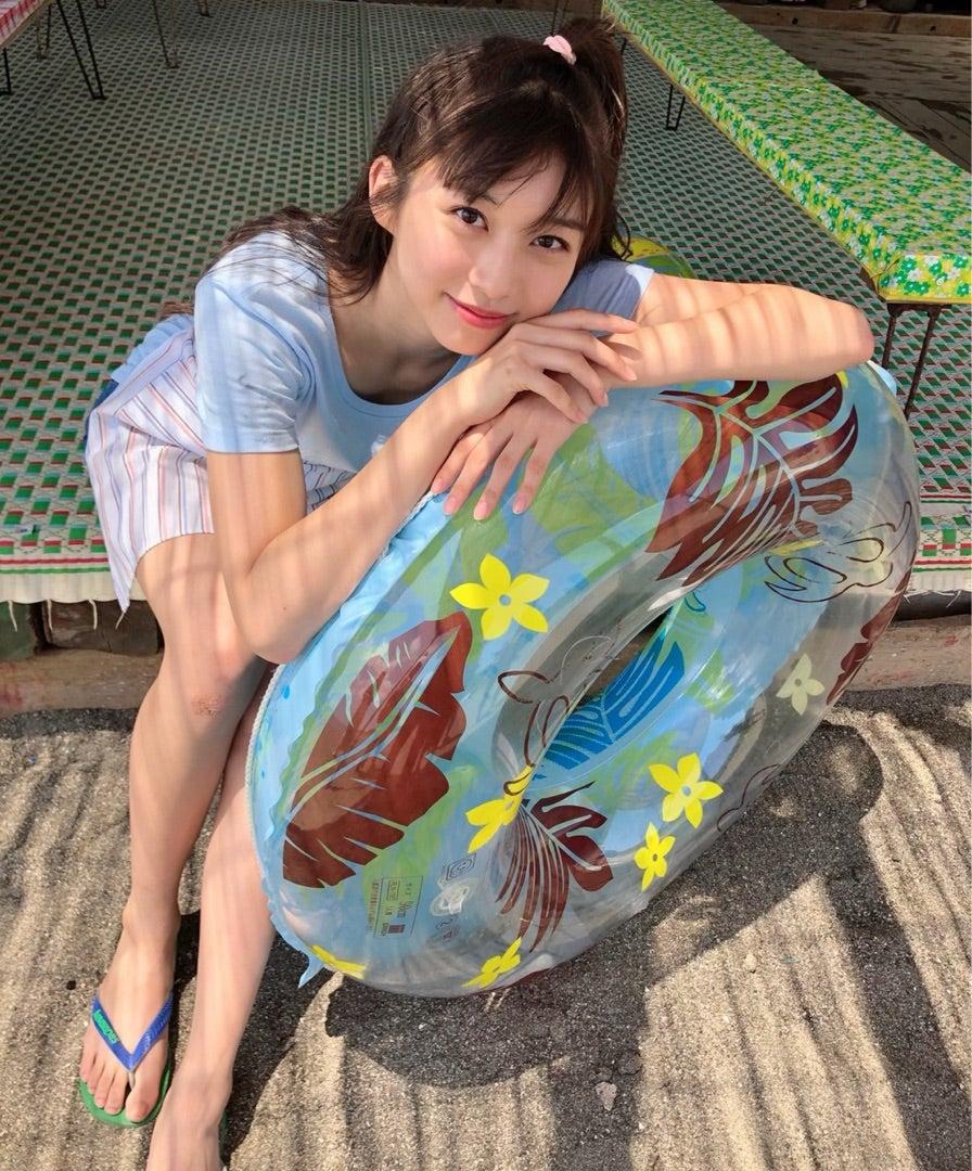 7月31日(水)発売週刊少年サンデーの表紙グラビアに牧野真莉愛wwwwwww