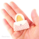 ネットShop【BASE】オープンします!! ハンドバッグ型アイシングクッキーのブローチの記事より