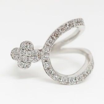 大特価 スタイリッシュで大人可愛いダイヤモンドリング