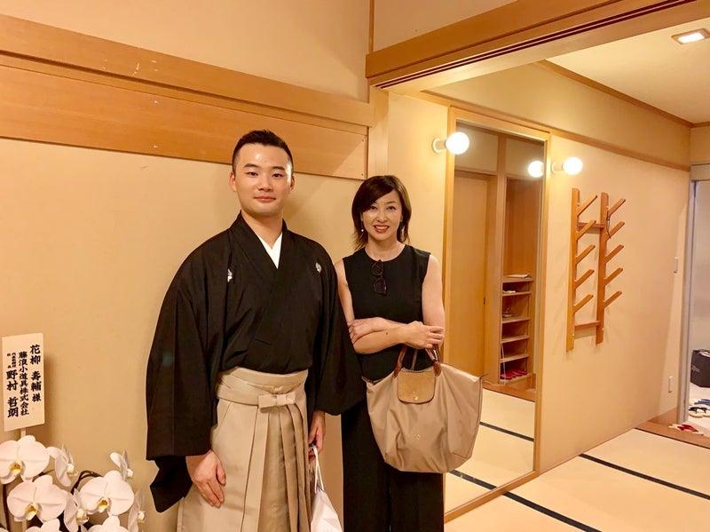 歌舞伎座で、日本舞踊 花柳流 追善舞踊会 | 吉田由美オフィシャル ...