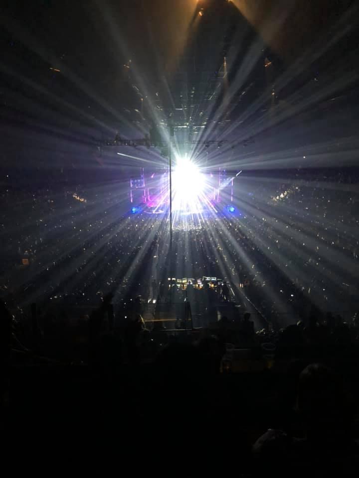 Queenのコンサート「ラプソディツアー」で感じたことの記事より