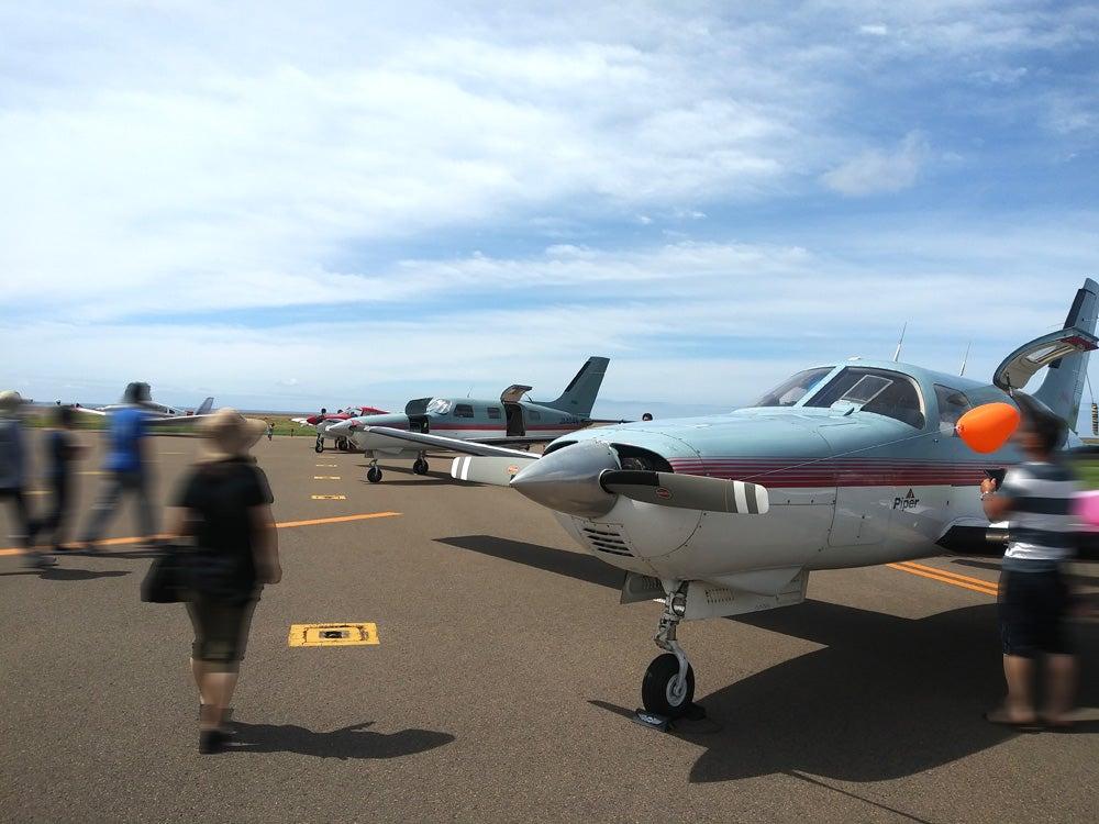 奥尻島の空港で自家用飛行機航空ショー開催(2019.8.11)